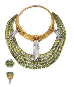 A-HIGHLY-IMPORTANT-SUITE-OF-PERIDOT-DIAMOND-AND-GOLD-JEWELRY-BY-SALVADOR-DALI-MADE-BY-CHARLES-VALLIANT-circa-1965-Photo-courtesy-of-Christies