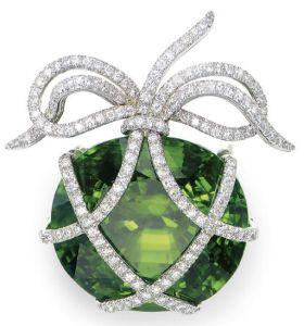 A-PERIDOT-DIAMOND-AND-PLATINUM-BROOCH-BY-VERDURA-Photo-courtesy-of-Christies