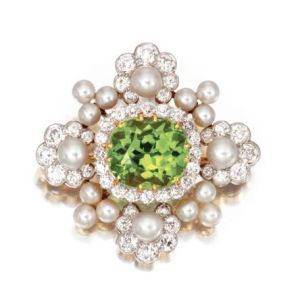PLATINUM-GOLD-PERIDOT-PEARL-AND-DIAMOND-BROOCH-CIRCA-1890-SIGNED-Tiffany-Co.-Photo-courtesy-of-Sothebys
