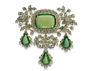 A-rare-peridot-and-diamond-parure-dating-from-the-early-nineteenth-century-attributed-to-Koechert-of-Vienna.
