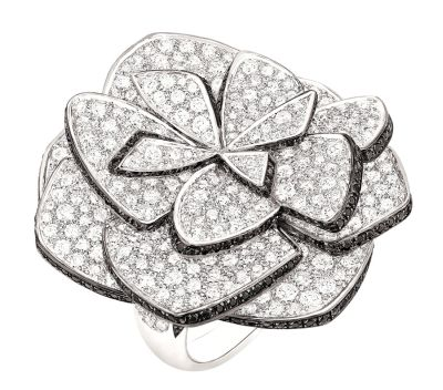 Chanel-Ruban-de-Camélia-ring-in-white-gold-set-with-584-brilliant-cut-diamonds-with-a-total-weight-of-8.7ct-and-310-brilliant-cut-black-spinels-with-a-total-weight-of-1.5ct.