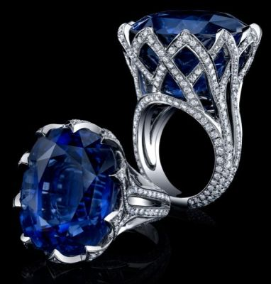 Described-by-Dr.-Peretti-this-63.27ct-sapphire-is-cornflower-blue-mined-in-Sri-Lanka.