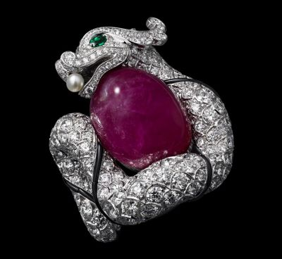 White-gold-one-34.58-carat-cabochon-cut-ruby-emerald-eyes-one-natural-pearl-onyx-brilliants.