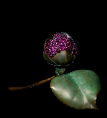 JAR-Camelia-brooch-from-2010-with-delicate-pavé-set-petals.