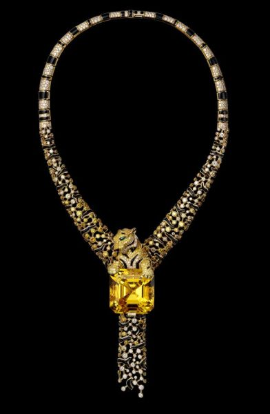 Yellow-gold-one-86.85-carat-emerald-cut-yellow-beryl-yellow-diamonds-brown-diamonds-emerald-eyes-onyx-brilliants