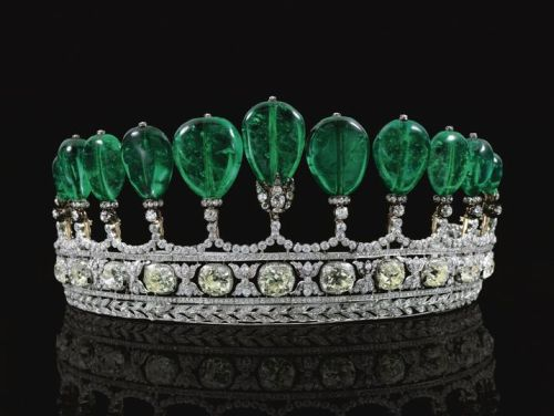 A-MAGNIFICENT-AND-RARE-EMERALD-AND-DIAMOND-TIARA-FORMERLY-IN-THE-COLLECTION-OF-PRINCESS-KATHARINA-HENCKEL-VON-DONNERSMARCK-CIRCA-1900