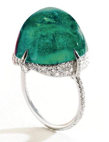 CABOCHON-EMERALD-AND-DIAMOND-RING-JAR-PARIS-Sothebys