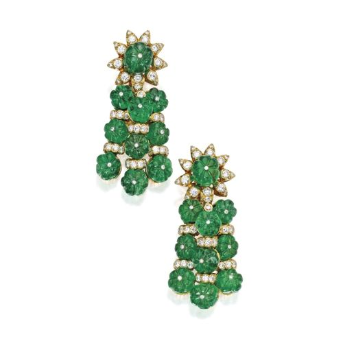 Lot-89-Pair-of-18-Karat-Gold-Emerald-and-Diamond-Pendant-Earclips-Van-Cleef-Arpels-1200x1200