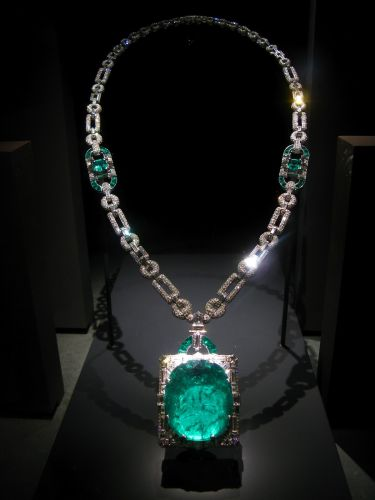 111-Cartier_-mackeray-emerald-necklace-3526707735_f4583fda9a