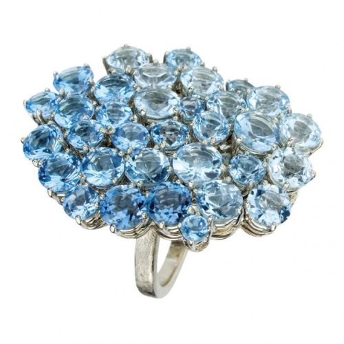 Blue-topaz-ring-by-H.-Stern