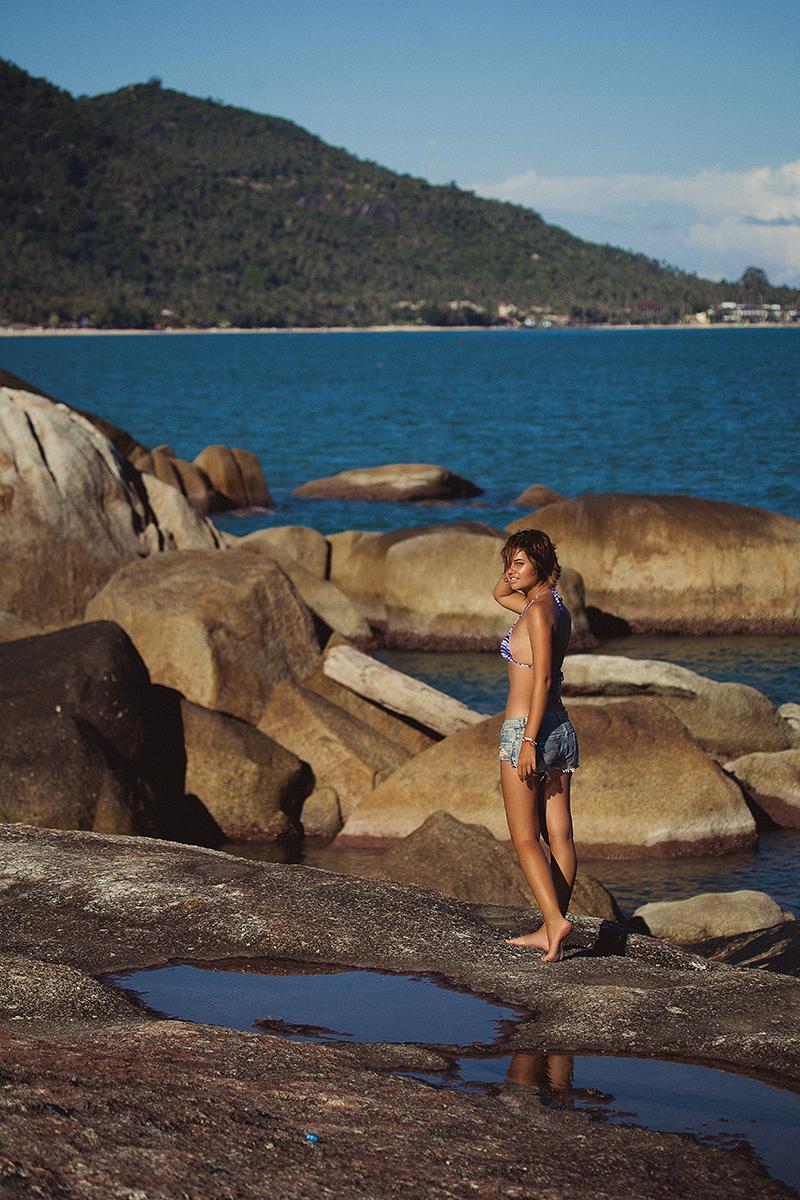 Как выглядит фотограф Александра Наветная. Фотограф Оскана Струкова. Фотосессия за границей. Тайланд, Самуи. Море, камни, девушка. Красота, райское местечко. Как круто сфотографироваться в отпуске. Самые красивые девушки
