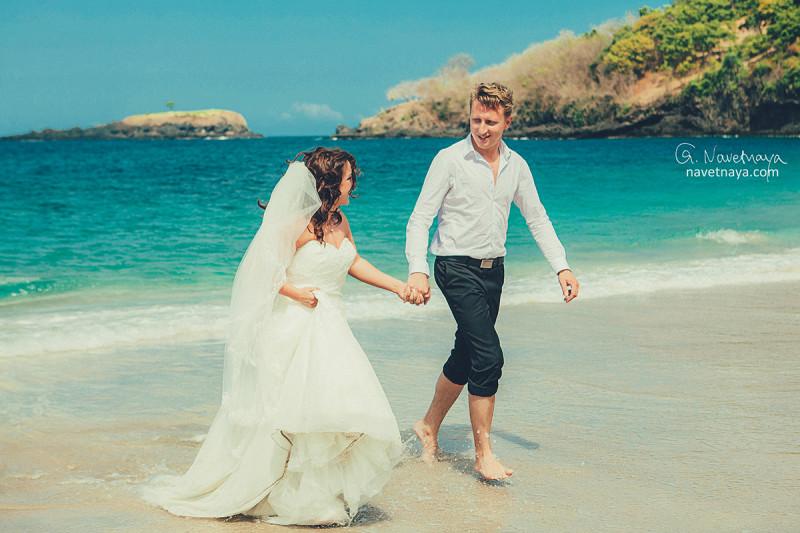 Фотограф на Бали. Свадебный фотограф. Бали. Индонезия. Свадьба на пляже. Свадебный декор. Balimoon.