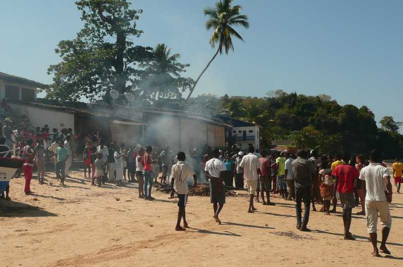 03 ОКТЯБРЯ, 2013 г. NOSY-BE, MADAGASCAR, СУД ЛИНЧА (6)