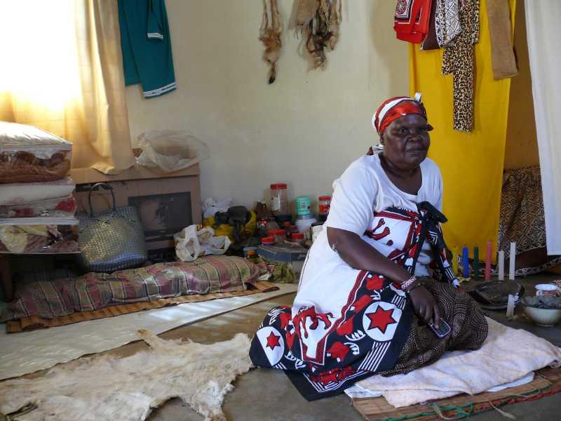 22 ДЕКАБРЯ, 2013 г. У SANGOMA Thuli Mkhwanazi (22)