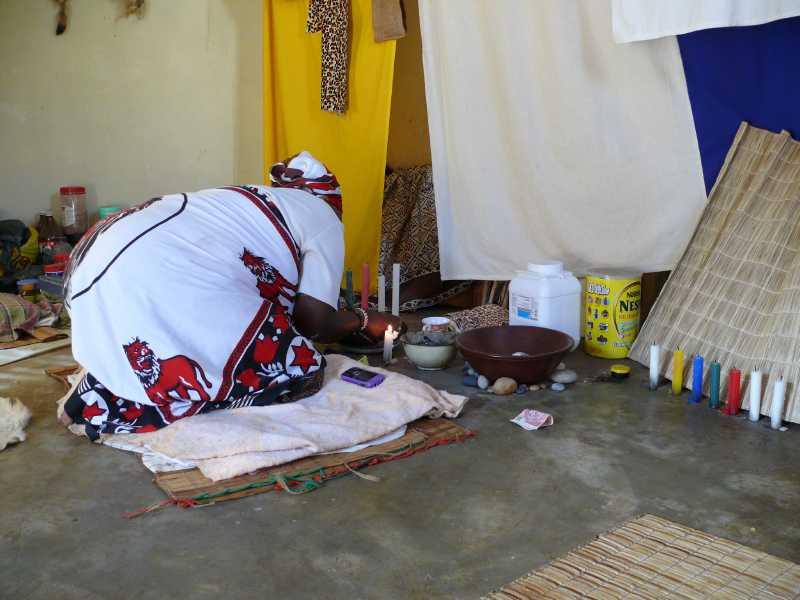 22 ДЕКАБРЯ, 2013 г. У SANGOMA Thuli Mkhwanazi (27)