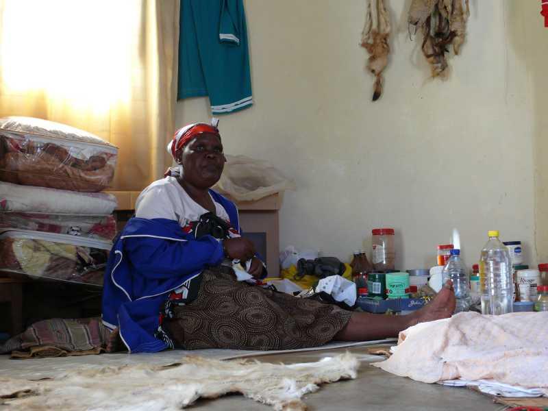 22 ДЕКАБРЯ, 2013 г. У SANGOMA Thuli Mkhwanazi (33)