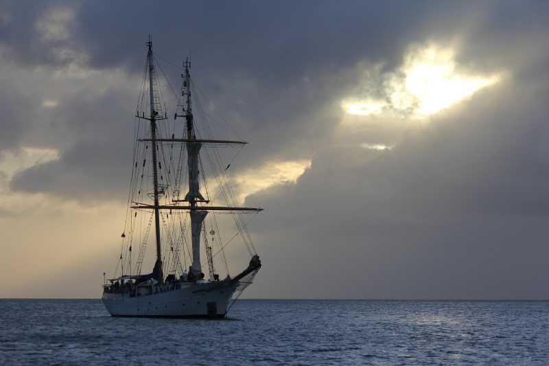 остров Рождества, Кирибати, Тихий океан.  БРИГ...