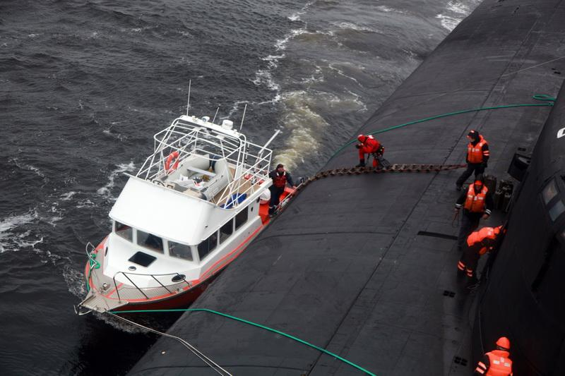 22 JUNE 2014  Russian nuclear submarine rescued civilian mariners in the White Sea! (3)