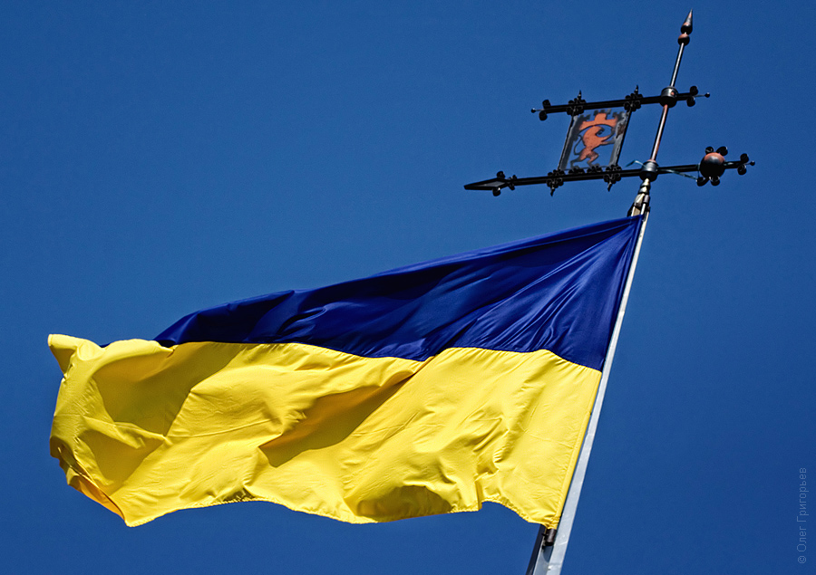 украинский флаг фото