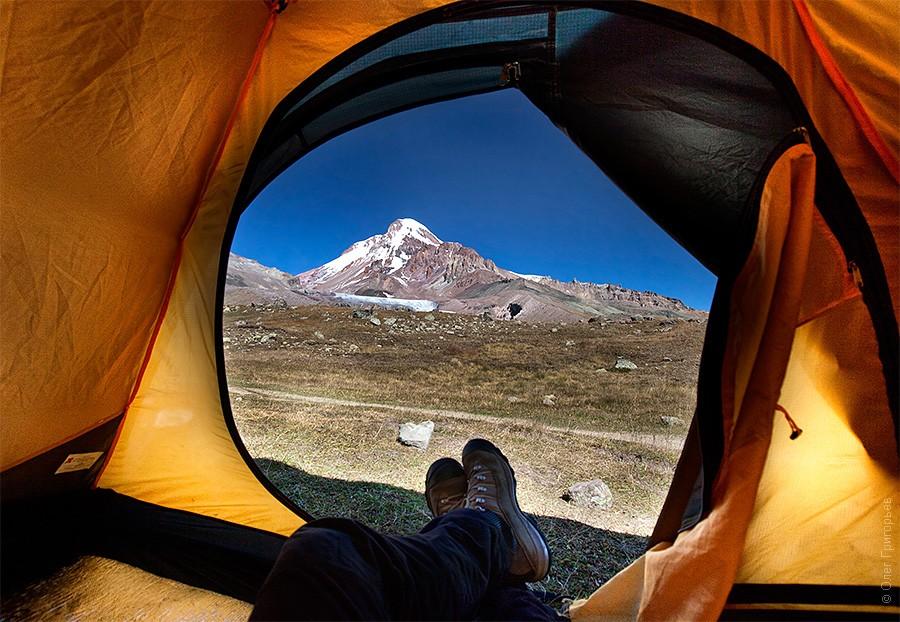 Вид на гору Казбек (высота 3200м).