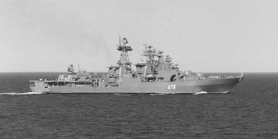 БПК 1155 Адмирал Харламов 1990-е (1) - Shtorm_DV - navsource.narod.ru.jpg