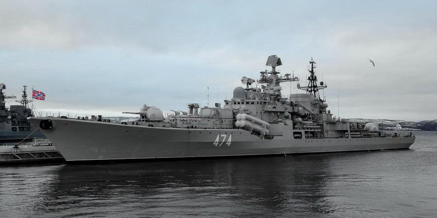 ЭМ 956 Адмирал Ушаков 2017 (10) 25 Североморск (1) - П. Львов - apple17 956-117.jpg