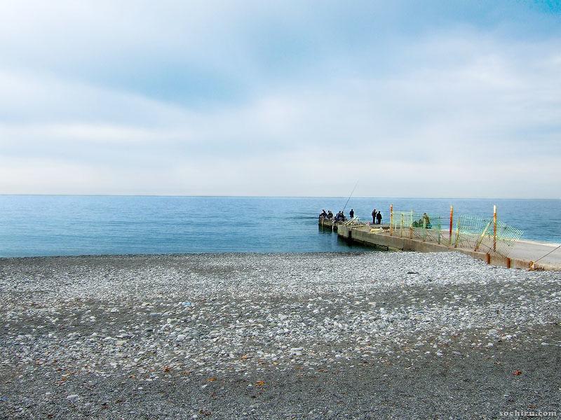 пустынный Сочинский пляж