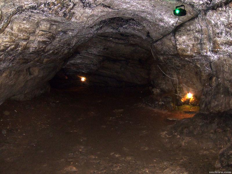 Пузырьки газа в Ахштырской пещере
