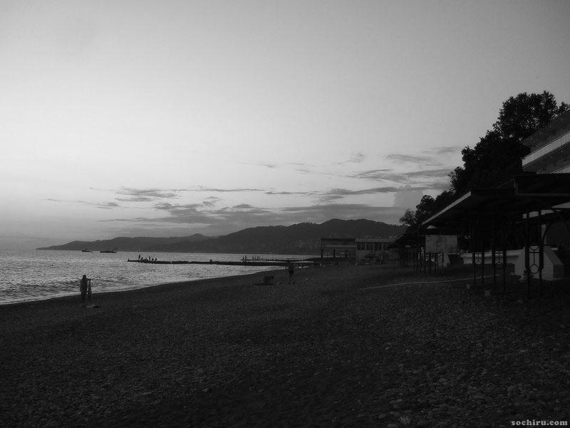 Сочинский пляж в начале июля