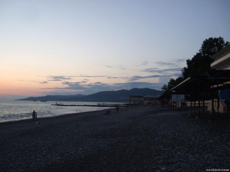 Пляж в начале июля