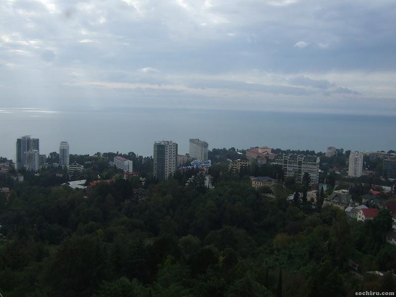 Канатная дорога Дендрария. Вид на море и город.