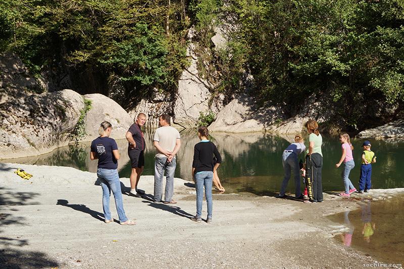 Навалишенское ущелье: туристы