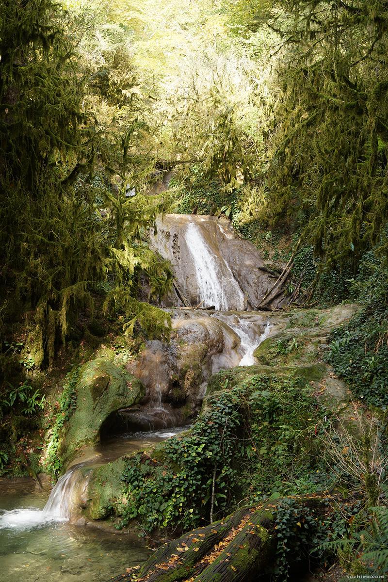 каскады 33 водопадов