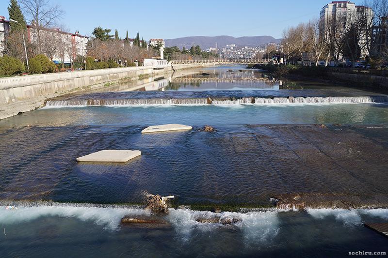 бетон на реке Сочи