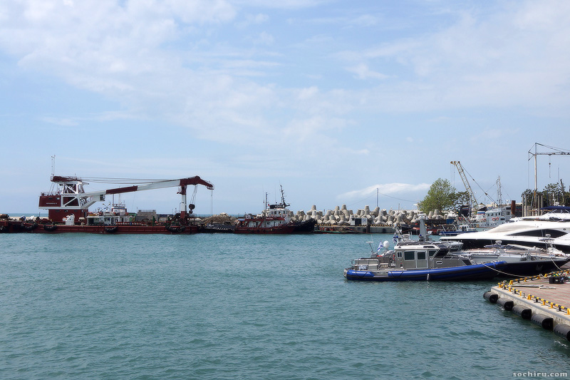 Морской порт в мае