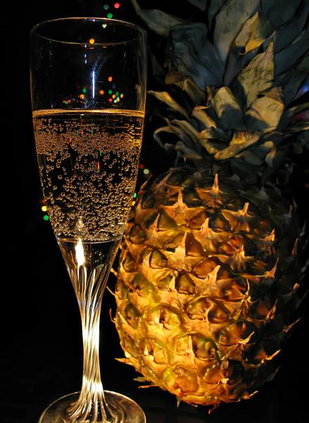 ananas-i-shampanskoe