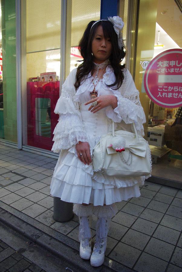 Юноши в женском платье
