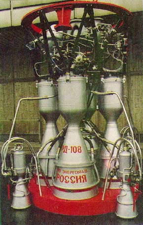 Двигатели РД-107 и РД-108, созданные в КБ В.П.Глушко, были установлены на первой межконтинентальной ракете Р-7 (1957 г.)