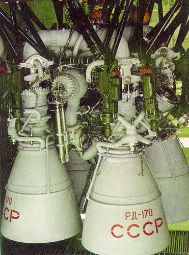 """ЖРД РД-170 - двигатель первой ступени многоразовой космической системы """"Энергия"""" - """"Буран"""". Самый мощный в мире двигатель был предназначен для многократного использования."""