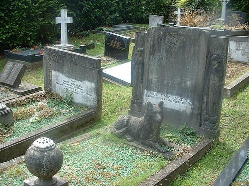 colderidge and Highgate cemetery 011