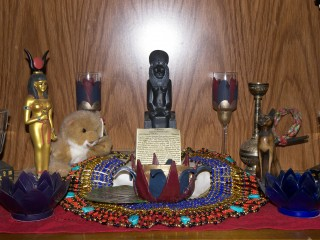 My Kemetic Shrines :): pimp_my_altar — LiveJournal