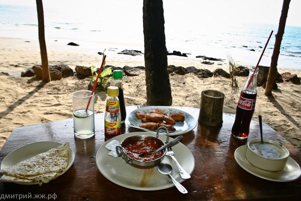 eda cola chik masala seafoodsoup naan packota paneer