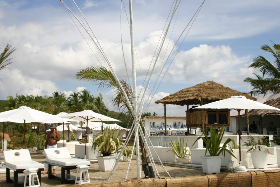 ashwem beach shak krutioi white