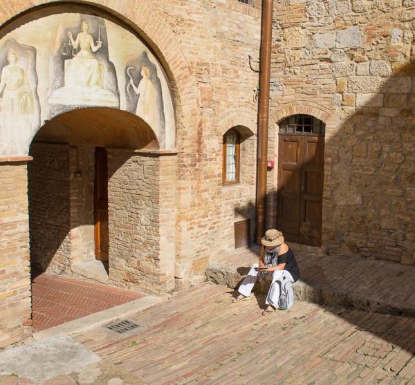 San Gimignano Post-18