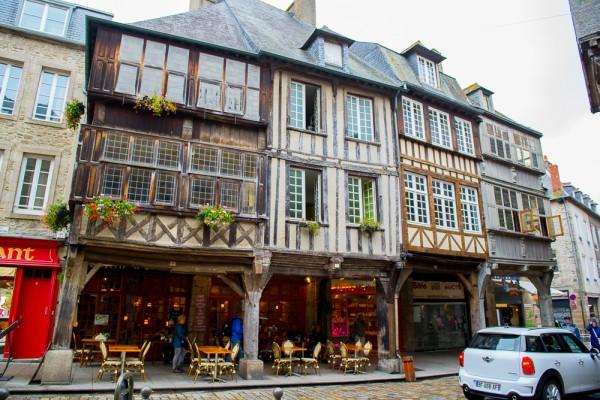 Bretagne Dinan Post-8