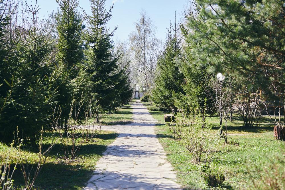 Территория отеля «Ярославна»