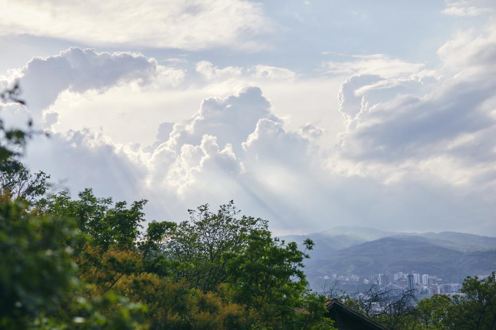 Вид на Тбилиси от входа в этнографический музей