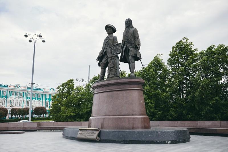 Памятник основателям города Екатеринбурга