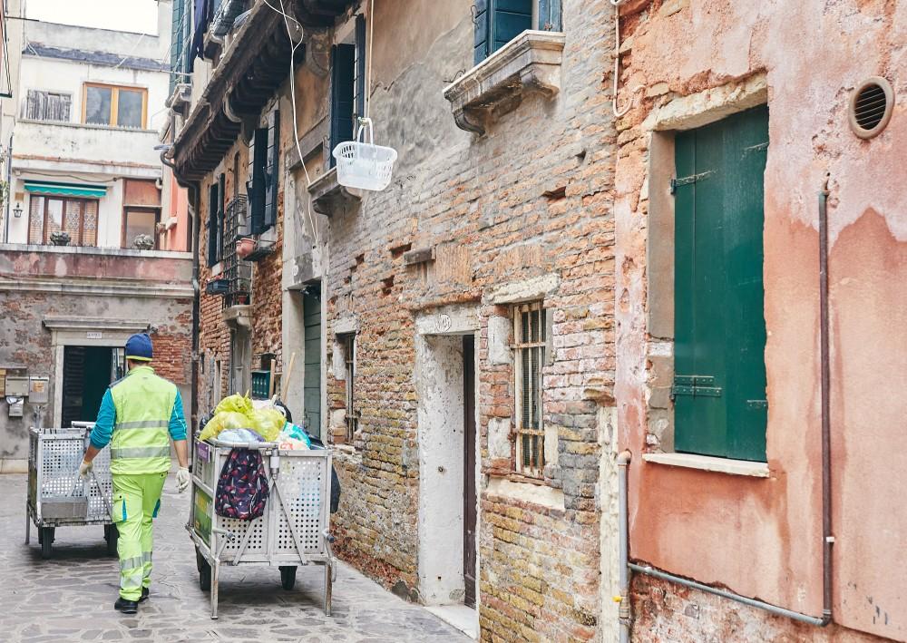 Сбор мусора. Венеция
