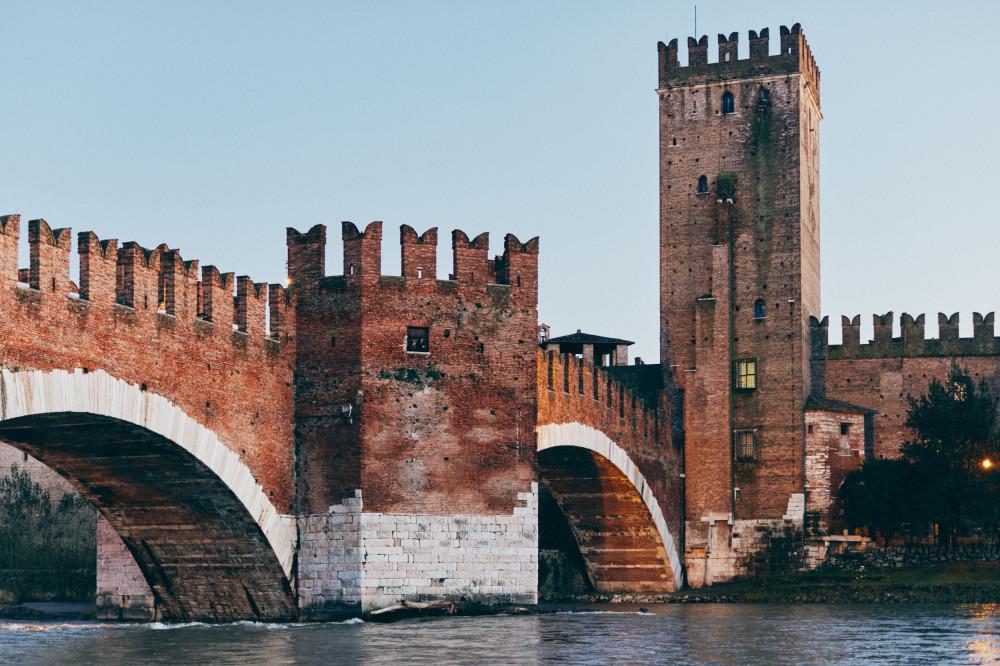 Верона, старая крепость Castelvecchio